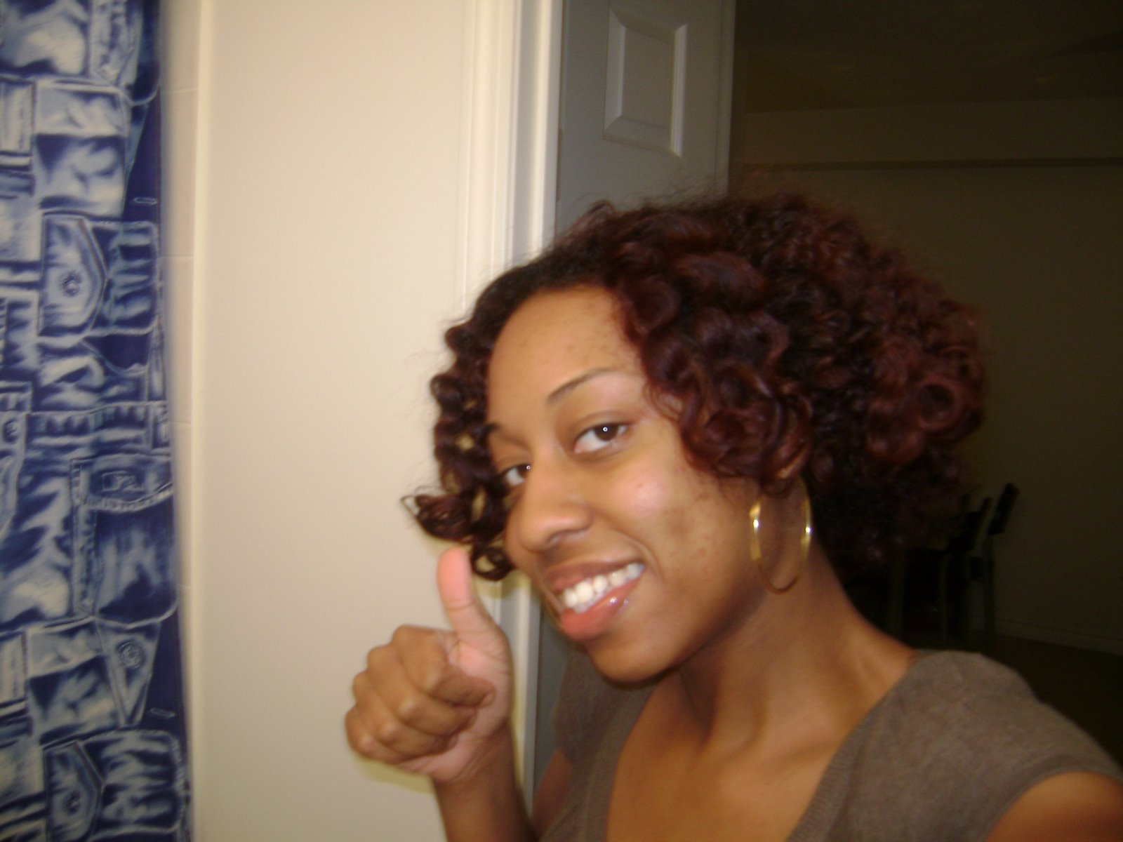 It's CurlyTrini again...and she HENNAed!!!!!!