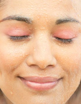 Why Moisture is Good for Your Skin, Too!