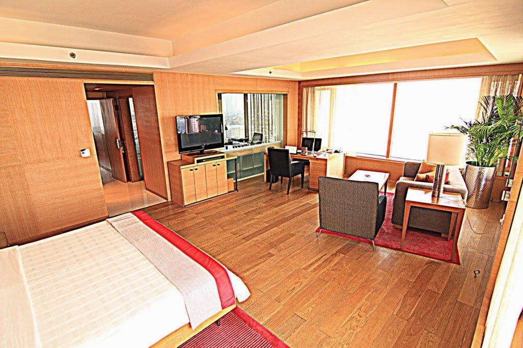 'Opulence, I has it'. The Trident Hotel in Mumbai