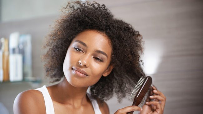 4 Ways You Might Be Breaking Your Natural Hair Without Realizing It