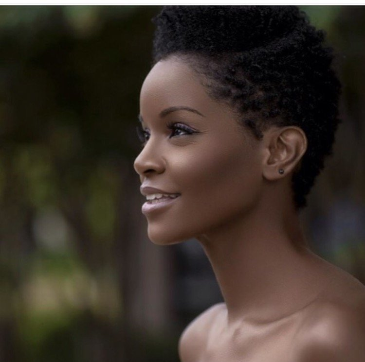 The Amazing Benefits of Almond Oil for Hair and Skin