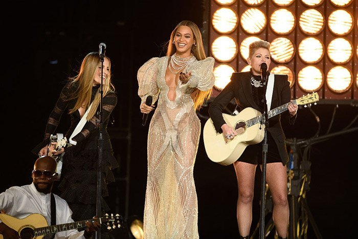 Watch Beyoncé & The Dixie Chicks at the CMA's!