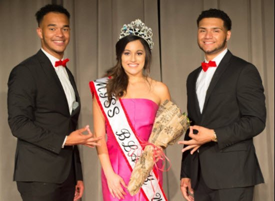 """Miss Black University of Texas Criticized For Not Being """"Black Enough"""""""