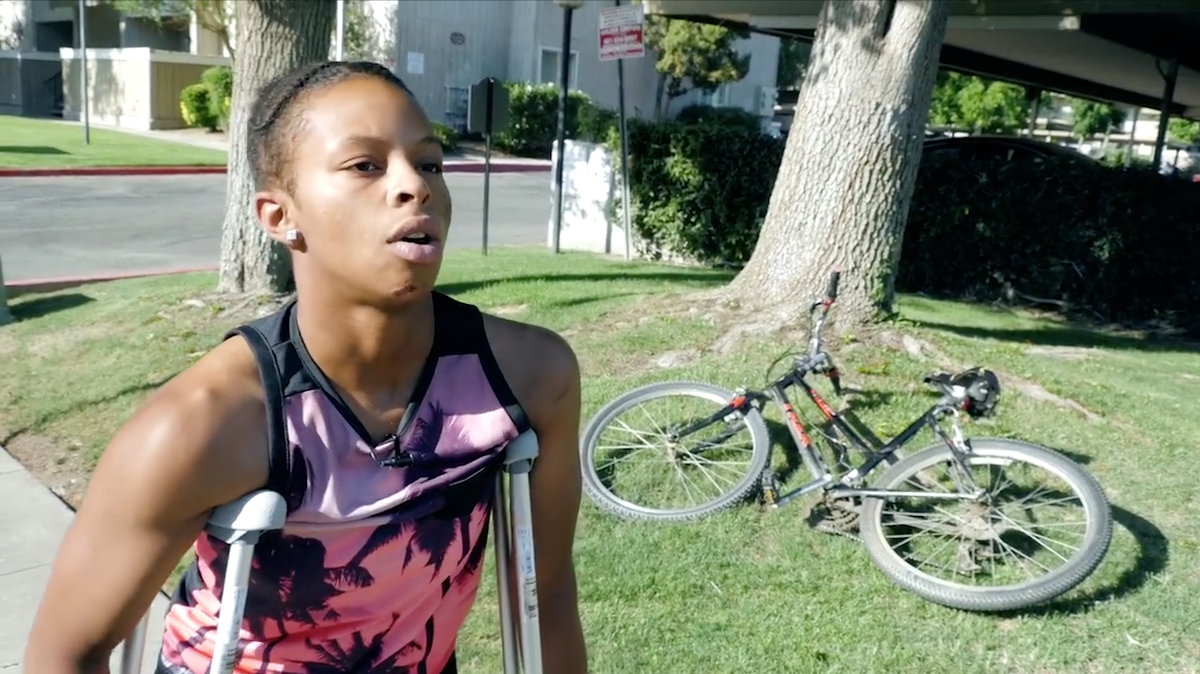 """Police Punch California Teen After """"Mistaking"""" Her for Machete Wielding Man"""
