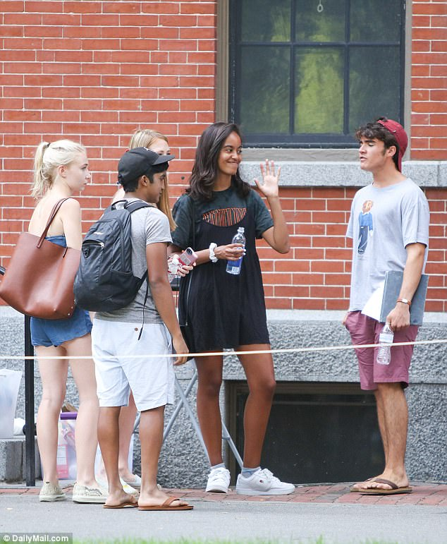 Barack and Michelle Obama Send-Off Malia To Harvard in An Emotional Goodbye