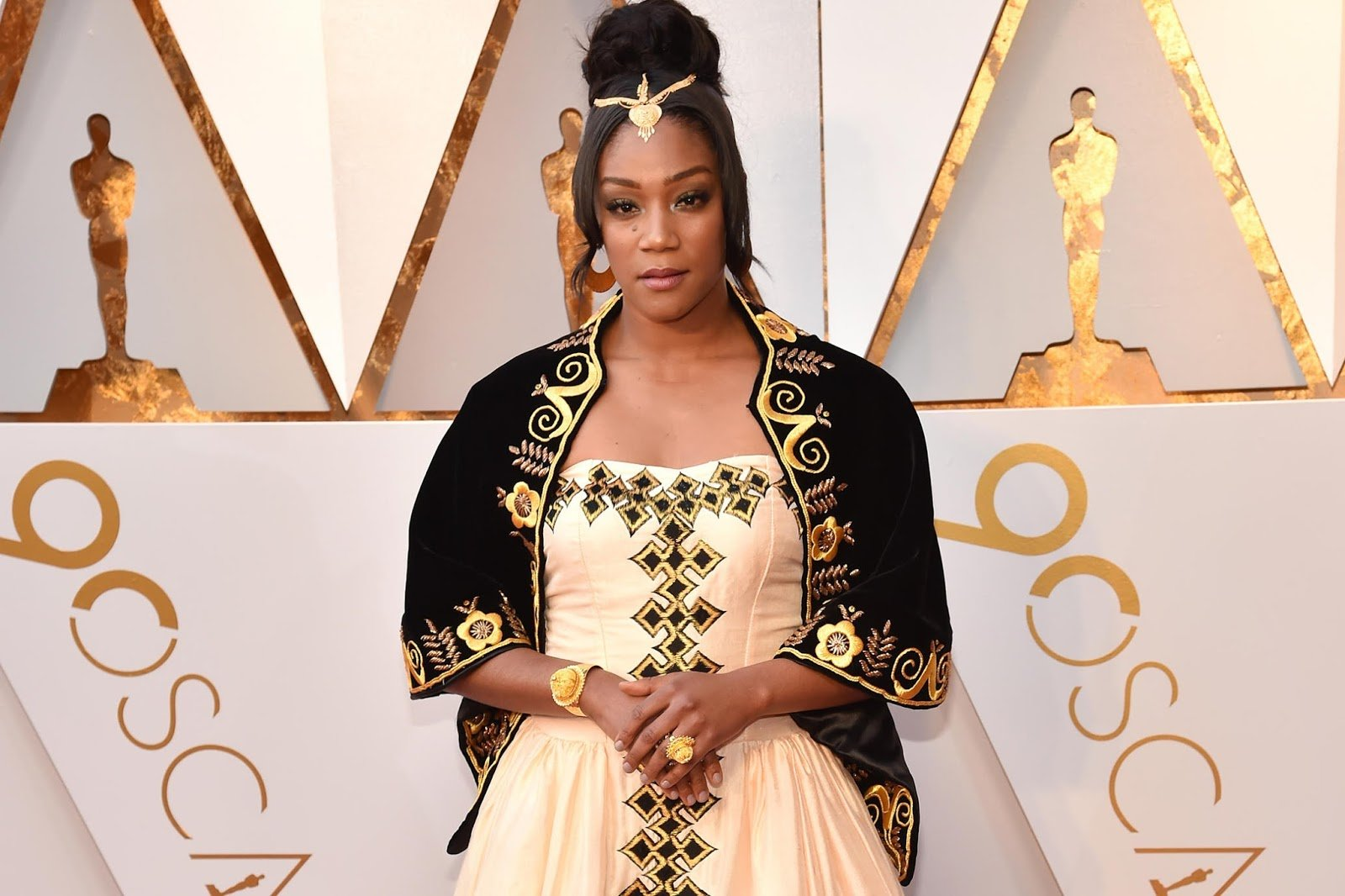 Tiffany Haddish Keeps Her Word & Honors Her Father & Eritrea at the Oscars