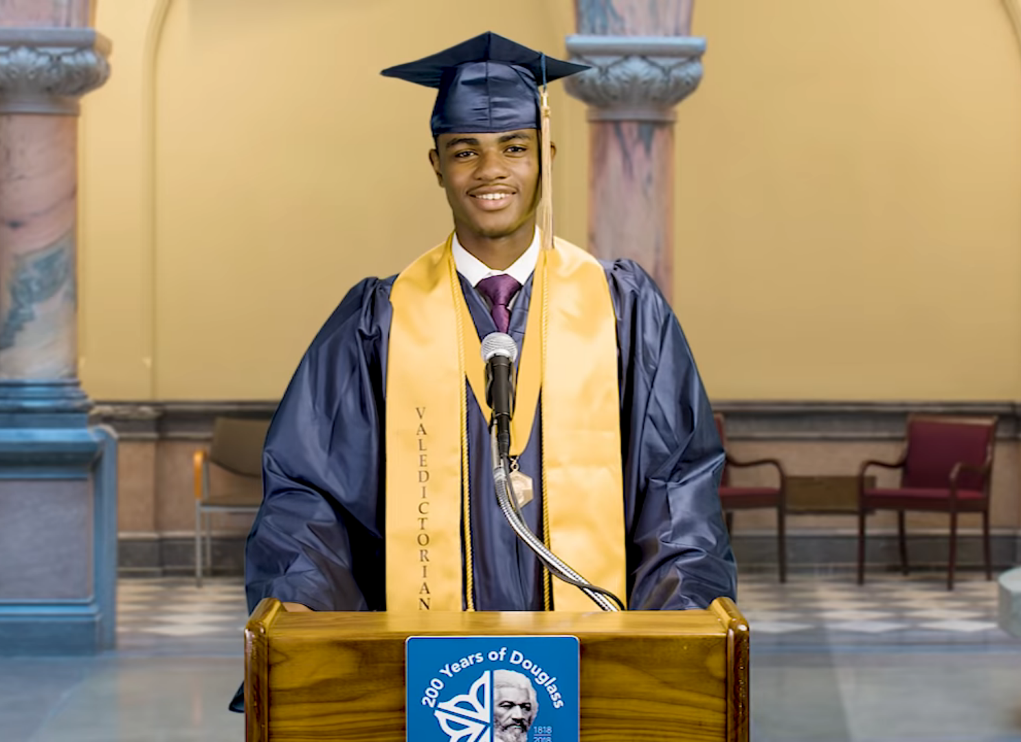 This Valedictorian's Principal Wouldn't Let Him Give an Acceptance Speech, but the Mayor Did
